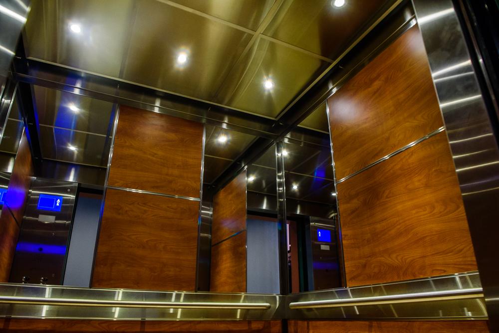 Thiết kế thang máy gia đình với nội thất độc đáo, ấn tượng
